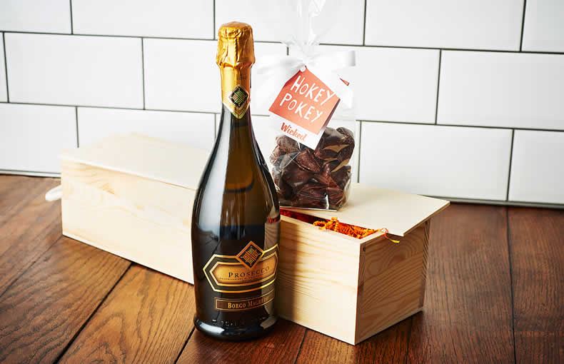 Prosecco & Chocolate-Covered Honeycomb Gift Box