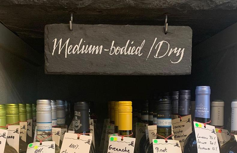 Medium-bodied, Dry
